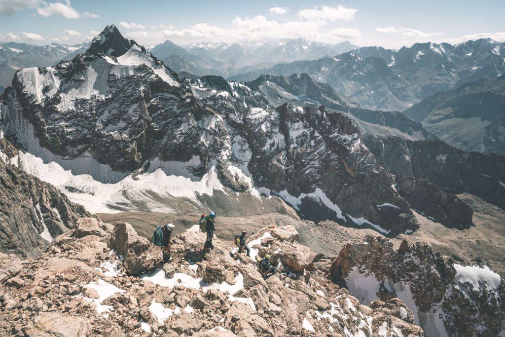 Seilfreier Abstieg am oberen Grat